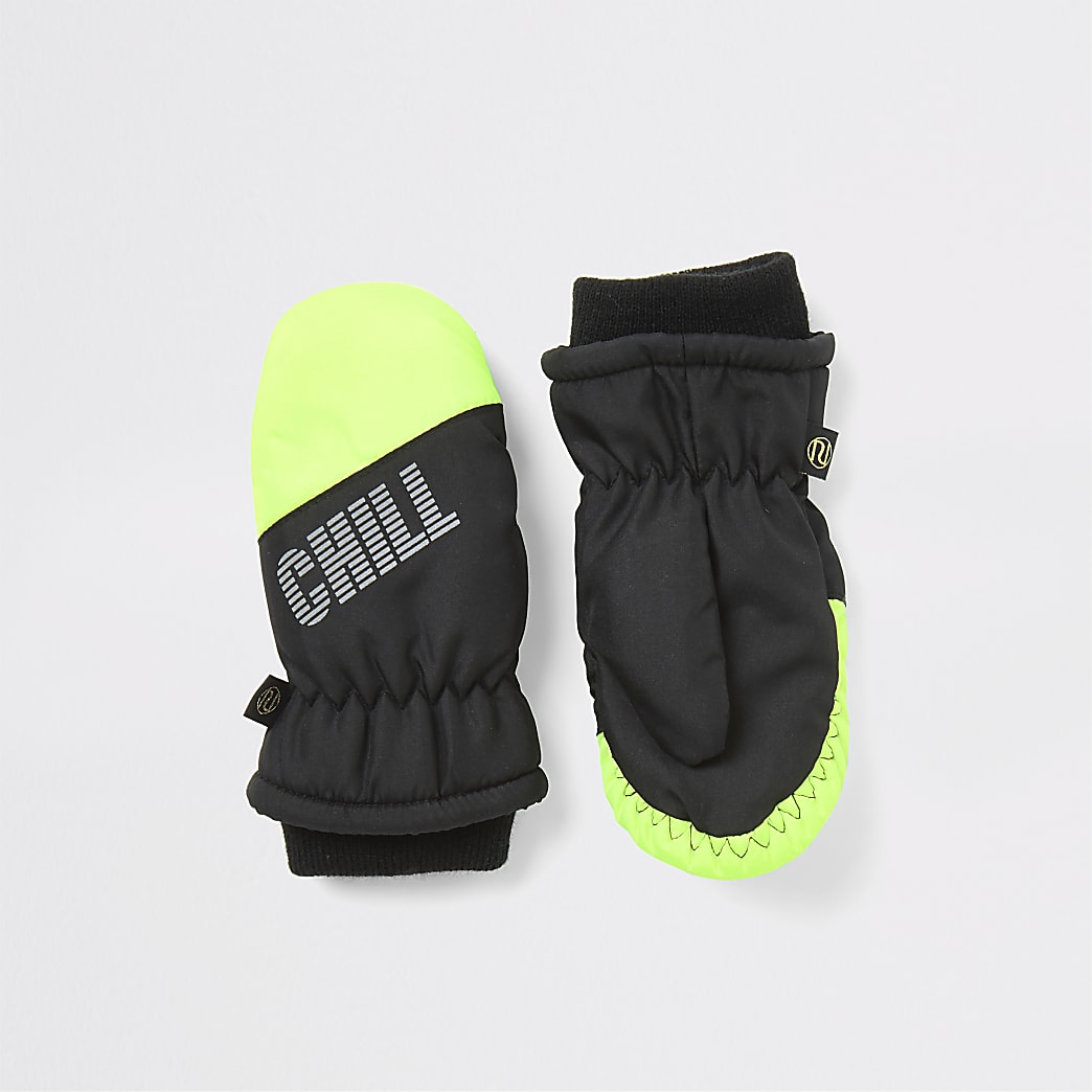 Mini boys green 'Chill out' padded mitten