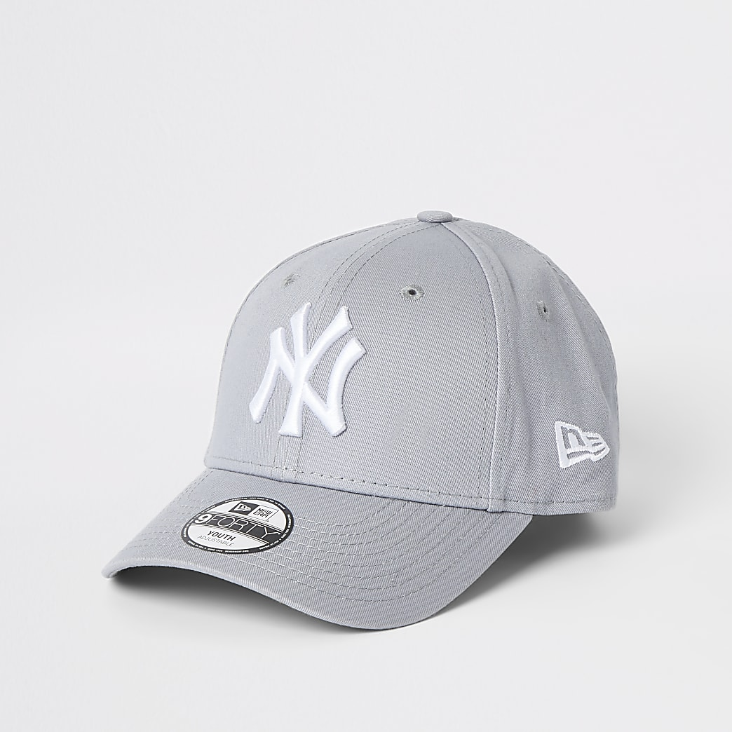 Boys New Era NY grey curved peak cap