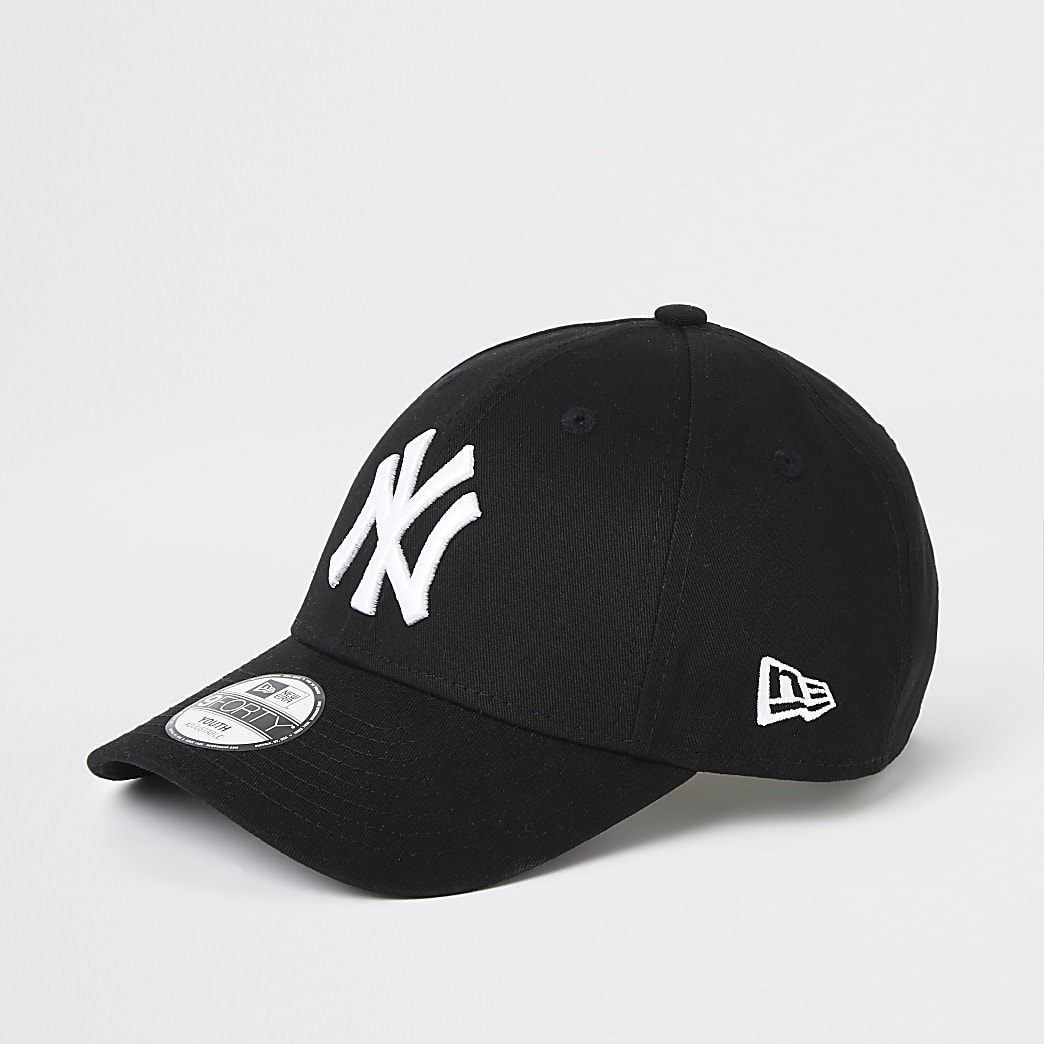 Boys black New Era NY curve peak cap