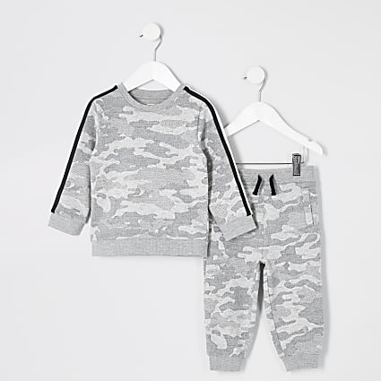 Mini boys grey camo sweatshirt outfit