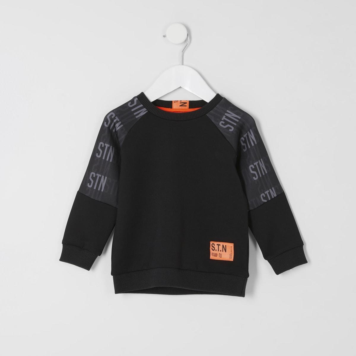 Mini - RI Active - Zwart sweatshirt met STN-tekst voor jongens