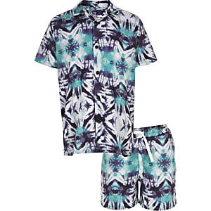 Outfit met paars tie-dye overhemd en short voor jongens
