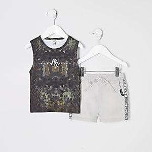 Mini - Outfit met kaki hemdje met camouflageprint voor jongens
