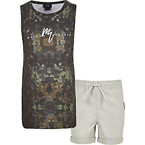 Outfit met kaki hemdje met camouflageprint voor jongens