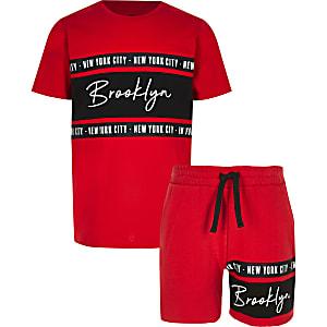 Ensemble avec t-shirt «Brooklyn» rouge pour garçon