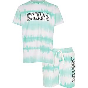 Outfit met blauw tie-dye T-shirt en short voor jongens