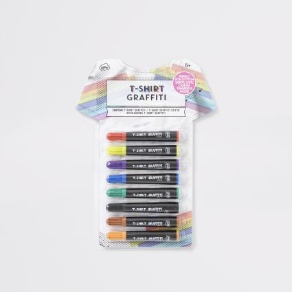 Kids white T-shirt graffiti pens