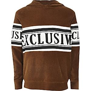 Bruine hoodie met trekkoord en 'exclusive'-tekst voor jongens