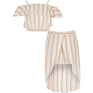 Koraalrode outfit met gestreepte crop top met ruche voor meisjes