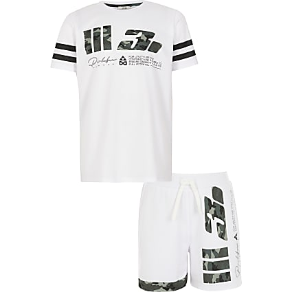 Boys white Prolific camo mesh T-shirt outfit