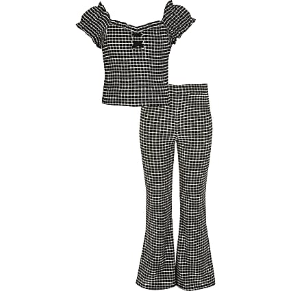 Girls black check puff sleeve top outfit
