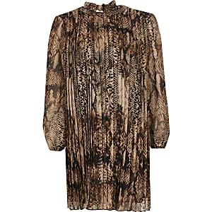 Braunes Swing-Kleid mit Falten und Schlangenoptik für Mädchen