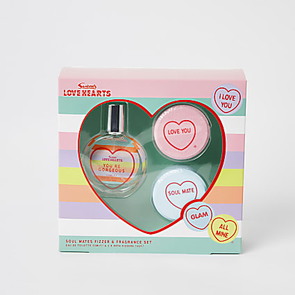 Girls Love Hearts fizzer and fragrance set