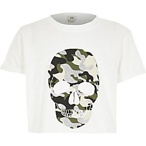 Weißes, kurzes Oberteil mit Totenkopf und Camouflagemuster für Mädchen