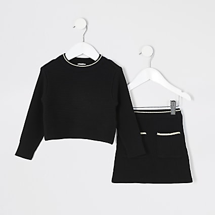 Mini girls black knitted skirt outfit