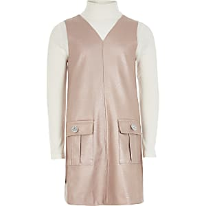 Tenue avec robe chasuble en cuir synthétique rose pour fille