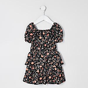 Mini – Schwarzes, geblümtes Skater-Kleid mit Rüschen