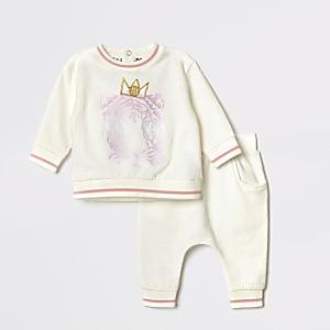Cremefarbenes Sweatshirt-Outfit mit Löwenprägung für Babys