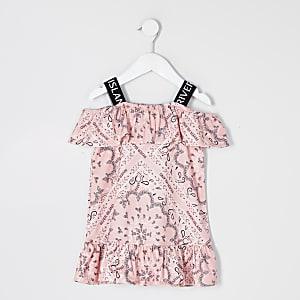 Mini - Koraalkleurige bardot-jurk met bandanaprint voor meisjes