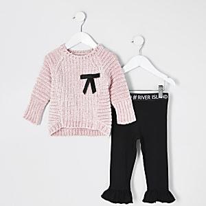Mini – Mädchen-Outfit mit rosa Chenille-Pullover mit Schleife