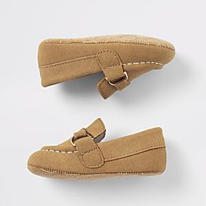Bruine suèdine loafers voor baby's