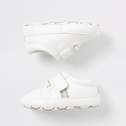 Baby white 'Team cute' trainers