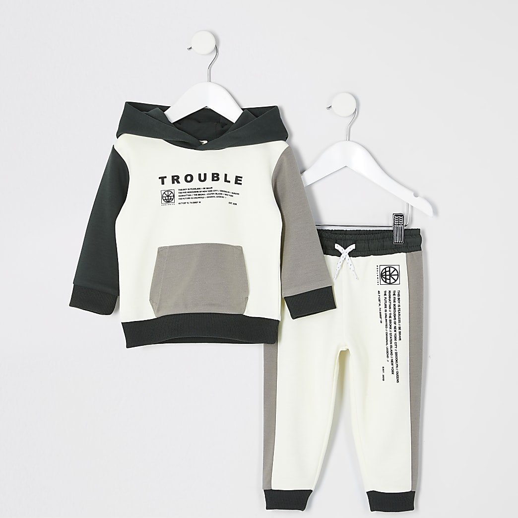 Mini - Ecru hoodie oufit met 'Trouble'-tekst voor jongens