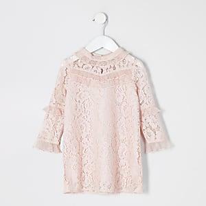 Robe rose avec volants en mousseline et dentelle pour mini fille
