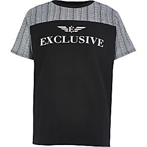 Zwart T-shirt met 'Exclusive'-print en kleurvlakken voor jongens