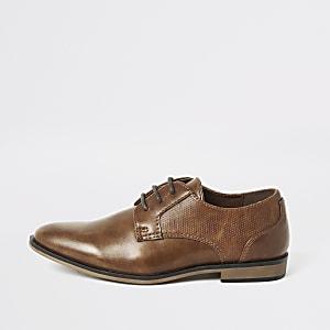 Braune Schnürschuhe mit spitzer Zehenkappe für Jungen