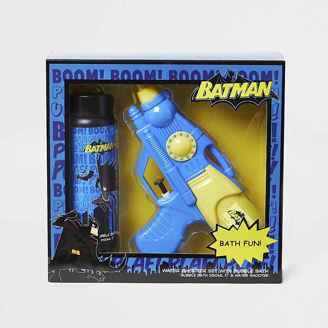 Boys Batman water shooter and bath set