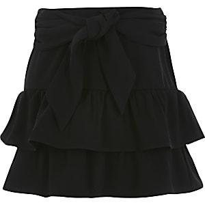 Jupe noireà volants et ceinture nouée pour fille