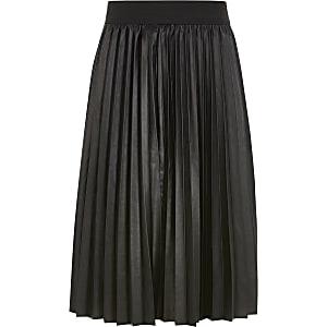 Jupe mi-longue plissée en cuir synthétique noir pour fille