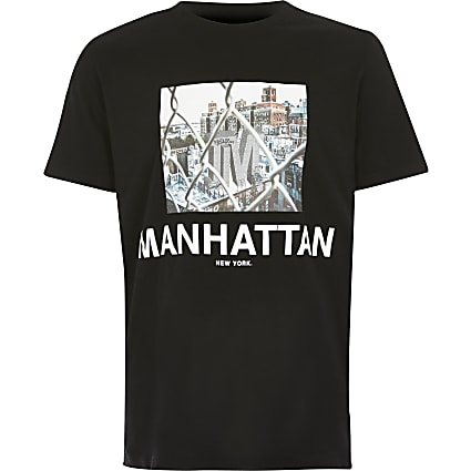 Boys Manhattan print black T-shirt