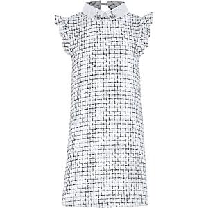 Witte bouclé jurk met siersteentjes rond kraag voor meisjes
