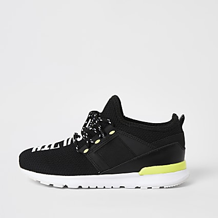 Boys black mesh 'Svnth' runner trainers