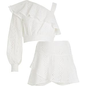Tenue avec top blanc asymétrique en broderie anglaise pour fille