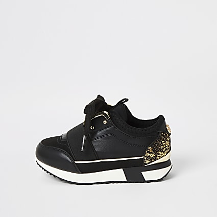 Mini girls black elasticated runner trainers