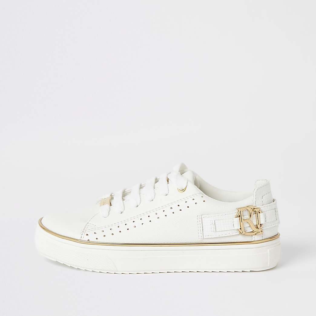 Witte sneakers met perforaties, vetersluiting en RI-embleem voor meisjes