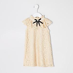 Mini – Gelbes Etuikleid mit Spitze und Schleife am Kragen für Mädchen