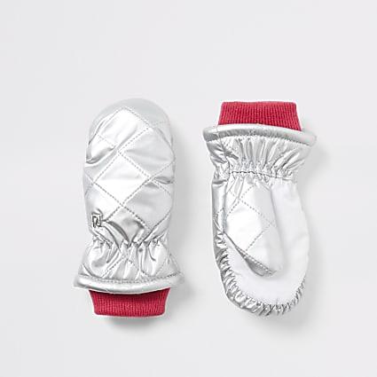 Mini girls silver quilted mitten gloves