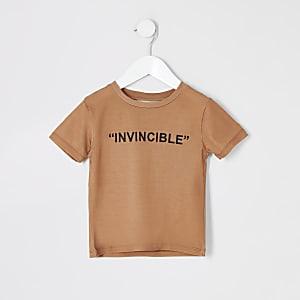 Mini - Kiezelkleur T-shirt met 'Invincible'-tekst voor jongens