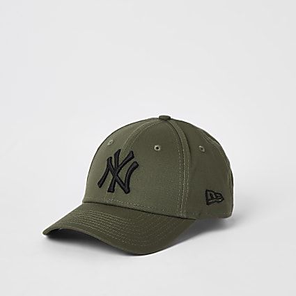 Kids New Era khaki NY curved peak hat