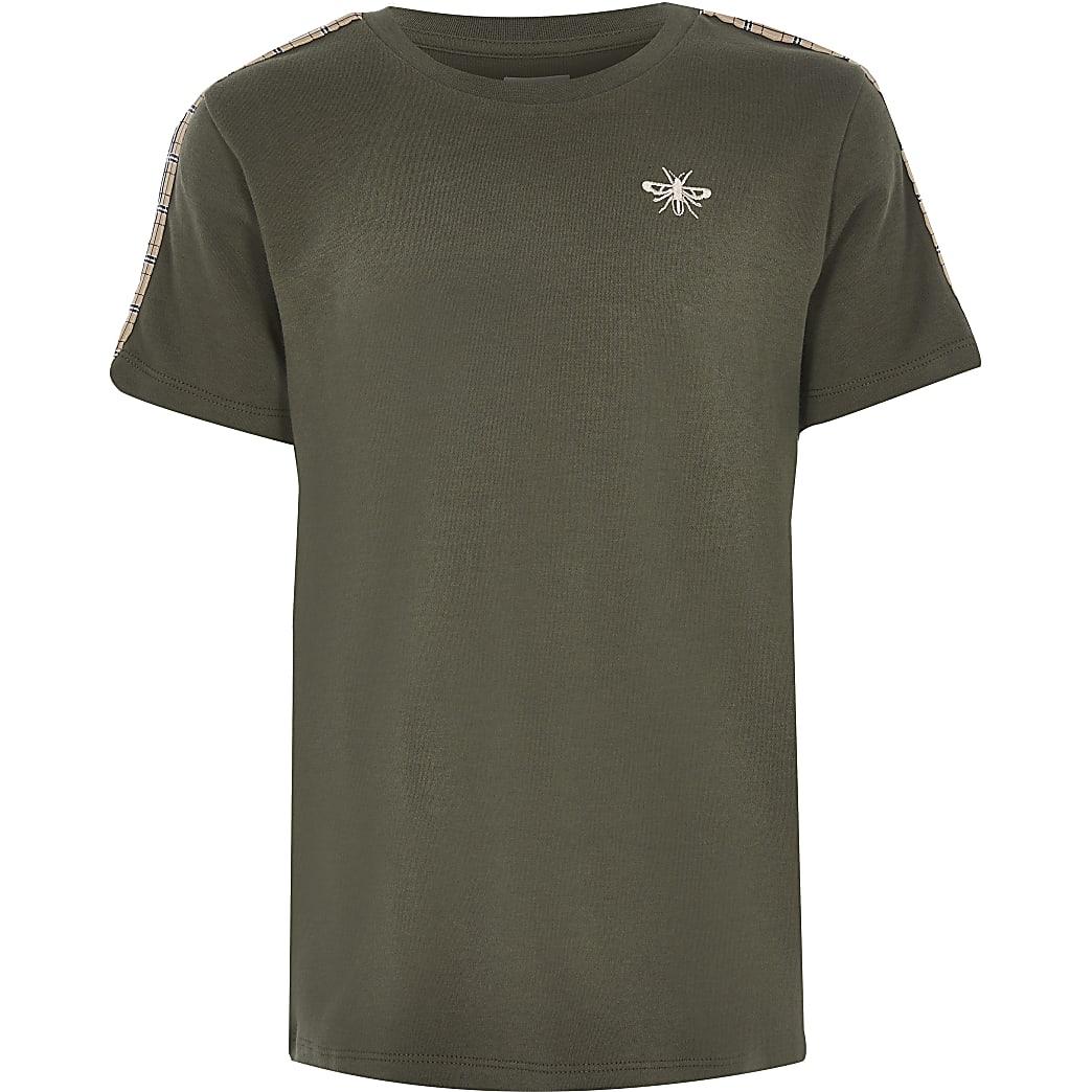 T-shirt kaki à manches courtes avec bande à carreaux pour garçon