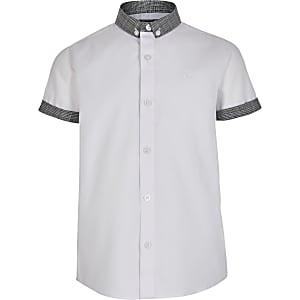 Weißes, kariertes Hemd mit Button-Down-Kragen