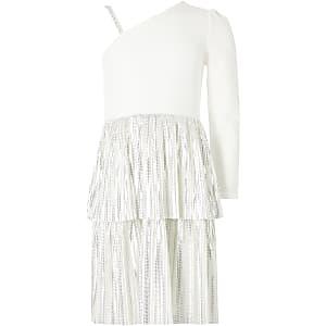 Weißes Rüschenkleid mit einem Schulterträger für Mädchen
