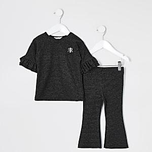 Schwarzes, koordiniertes und ausgestelltes Outfit mit Streifen für kleine Mädchen