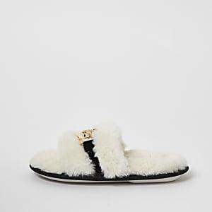 Crèmekleurige pantoffels van imitatiebont met broche voor meisjes