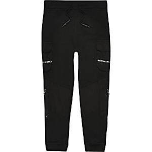 Zwarte utility joggingbroek met print op broekzakken