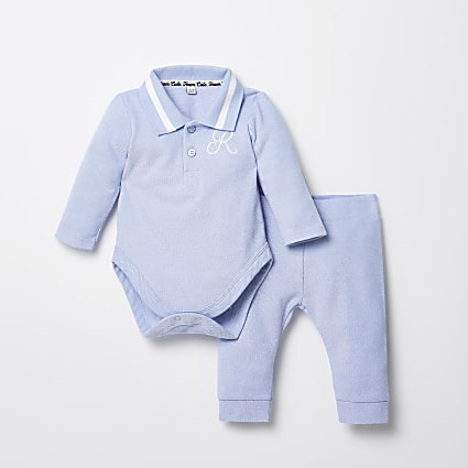 Baby blue R embroidered baby grow outfit